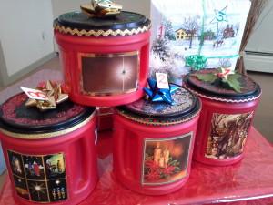 cadeaux de Noël en collimages de boîtes de café folgers